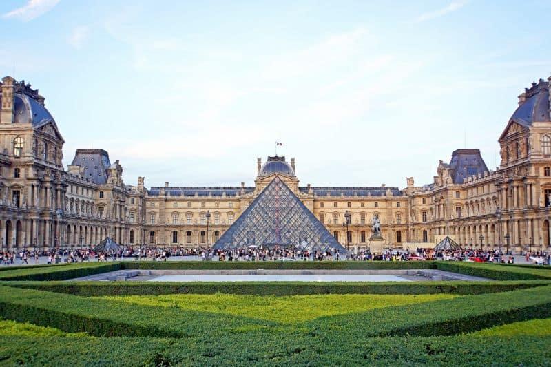 Lugares bonitos y hermosos para ver o visitar o que conocer en el mundo
