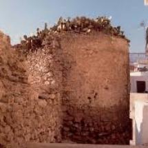 que-ver-en-adra-espana-murallas