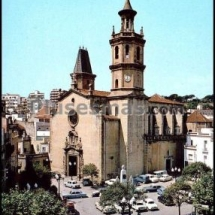 que-ver-en-arenys-de-mar-espana-plaza-de-la-iglesia