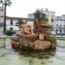 que-ver-en-don-benito-espana-escultura