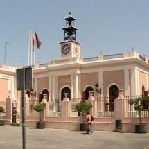 que-ver-en-puerto-real-espana-calle-de-la-plaza