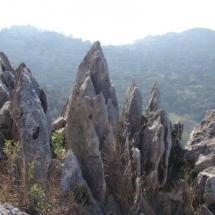 que-ver-en-villaluenga-del-rosario-espana-lapiaz-en-crestas