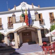 que-ver-en-ardales-espana-vista-ayuntamiento-min