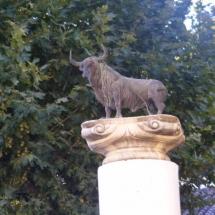 que-ver-en-beas-de-segura-espana-estatua-min