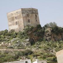 que-ver-en-velez-de-benaudalla-espana-castillo-min