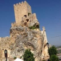 que-ver-en-zuheros-espana-castillo-min
