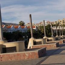 que-ver-en-adeje-espana-promenade-min