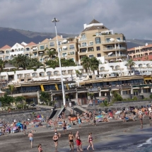 que-ver-en-adeje-espana-puerto-playa-min
