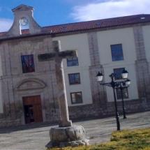 que-ver-en-ampudia-espana-plaza-de-san-miguel-min