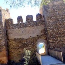 que-ver-en-anento-espana-ruinas-del-castillo-min
