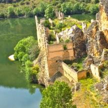 que-ver-en-cantalejo-espana-monasterio-min