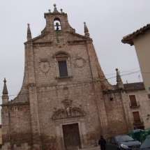que-ver-en-dueñas-espana-iglesia-de-san-agustin-min