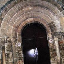 que-ver-en-dueñas-espana-monasterio-de-san-isidro-2-min