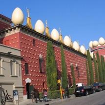 que-ver-en-figueras-espana-museo-dali-min