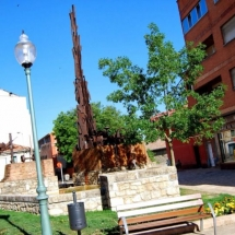 que-ver-en-guardo-espana-monumento-min
