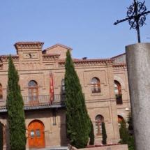 que-ver-en-illescas-espana-ayuntamiento-min