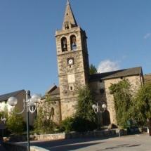 que-ver-en-llivia-espana-iglesia-min