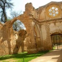 que-ver-en-nuevalos-espana-monasterio-de-piedra-min
