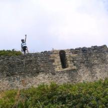 que-ver-en-pineda-de-mar-espana-castillo-de-montpalau-min