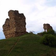 que-ver-en-saldaña-espana-ruinas-del-castillo-min