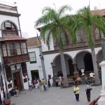 que-ver-en-santa-cruz-de-la-palma-espana-calles-principales-min