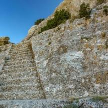 Escaleras en roca para acceder al poblado ibérico #castellar de